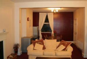 _wsb_542x365_living+room+$26+dining[1]