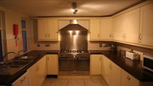 _wsb_599x338_kitchen[1]